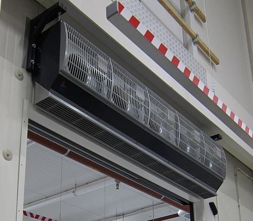 IsolAir air curtain for climate separation between two spaces
